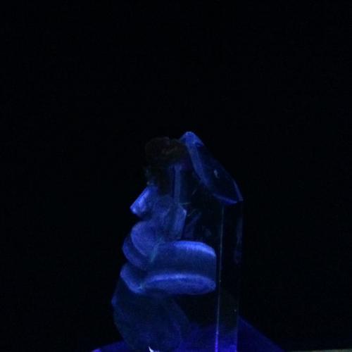 Quartz, Fluorapatite, Siderite Minas da Panasqueira, Castelo Branco, Portugal 3.6 x 1.9 x 1.9 cm Short Wave (Author: Mark Ost)