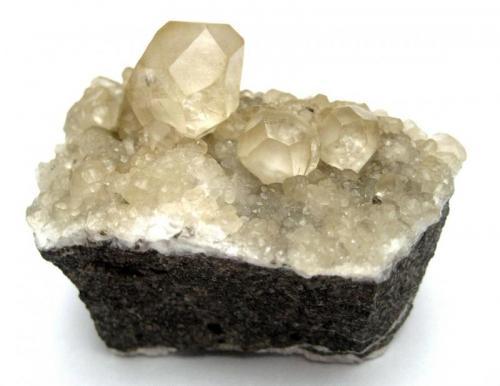 Calcite La Florida mining area, Sierra de Arnero, Cantabria, Spain Specimen size 5 cm (Author: Tobi)
