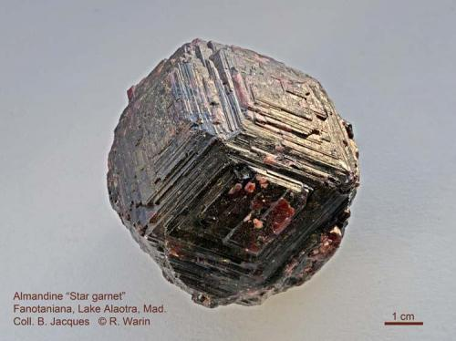 "Almandine ""Star Garnet"" Fanotaniana, Lake Alaotra, Madagascar. 65 mm wide (Author: Roger Warin)"