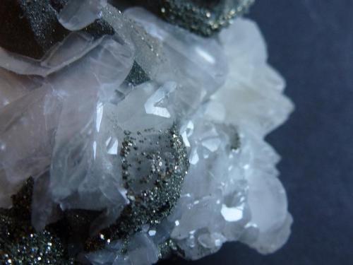 Calcita, Calcopirita Mina Brushy Creek, Greeley, Reynolds Co., Missouri, USA 9 x 6,5 cm.  Detalle (Autor: javier ruiz martin)
