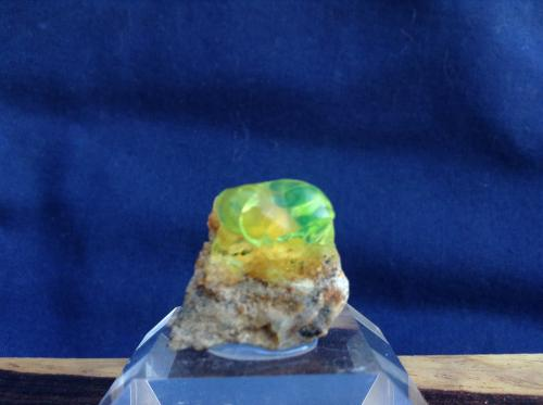 Opal Unknown location in Mexico 1cm x .5 cmx 1cm Opal (indirect sunlight) (Author: Mark Ost)