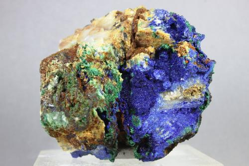 Azurita<br />Mina Teresita (Mina Aramo; Minas de Texeo), Llamo, Riosa, Comarca de Oviedo, Asturias, Principado de Asturias, España<br />60X56X43 mm.<br /> (Autor: Juan Espino)