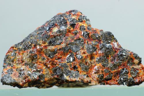 Zincita<br />Sterling Hill, Ogdensburg, Distrito minero Franklin, Condado Sussex, New Jersey, USA<br />44x33 mm<br /> (Autor: Juan Espino)