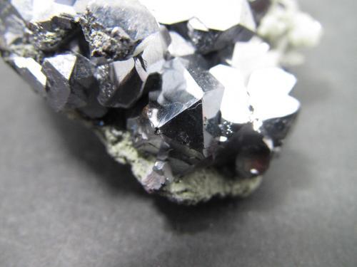 Galena<br />Zona minera Madan, Montes Rhodope, Smolyan Oblast, Bulgaria<br />3''5 cm. ancho de campo<br /> (Autor: prcantos)
