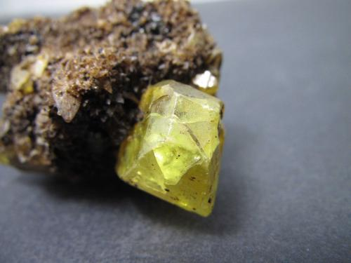 Azufre<br />Mina Racalmuto, Racalmuto, Provincia Agrigento (Girgenti), Sicilia, Italia<br />Cristal de 1''5 x 1 cm.<br /> (Autor: prcantos)