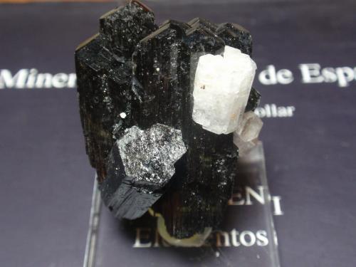Berilo (variedad goshenita)<br />Monte Erongo, Usakos, Región Erongo, Namibia<br />30x45<br /> (Autor: Ignacio)