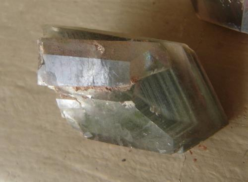 Cuarzo con inclusiones de clorita<br />São Pedro, Formiga, Minas Gerais, Brasil<br />3,7 x 2,4 x 2,6 cm<br /> (Autor: Anisio Claudio)