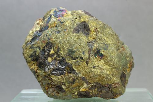 Calcopirita<br />Grupo Minero La Zarza, La Zarza-El Perrunal, Calañas, Huelva, Andalucía, España<br />55x46 mm.<br /> (Autor: Juan Espino)