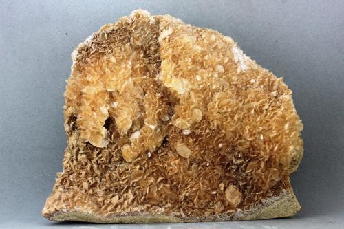Calcita<br />Canteras de mármol, Estremoz, Distrito Évora, Región Alentejo, Portugal<br />114x100 mm<br /> (Autor: Juan Espino)