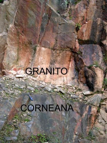 Contacto con la intrusión granítica (Autor: Ramón Jiménez)