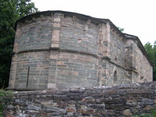 Anfibolita. Ábside la iglesia de San Fiz de Visonia, Villafranca del Bierzo, León, Castilla y León, España (Autor: Ramón Jiménez)
