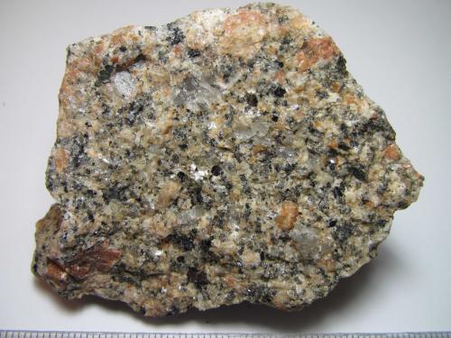 Granito Cornwall, Inglaterra, Reino Unido 6 x 5 cm. Granito afectado por procesos pneumatolíticos (Autor: prcantos)