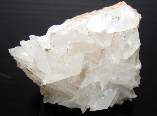 Calcita<br />Canteras de mármol, Estremoz, Distrito Évora, Región Alentejo, Portugal<br />4''3 x 3''6 cm<br /> (Autor: phrancko)
