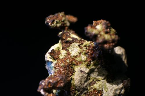 Cobre<br />Península Keweenaw, Michigan, USA<br />Foto 2 cm ancho<br /> (Autor: chatero15)
