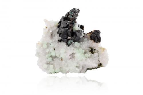 Babingtonite<br />Indicios de Babingtonita, Qiaojia, Prefectura Zhaotong, Provincia Yunnan, China<br />13,5 x11,0x7,0cm<br /> (Author: MIM Museum)