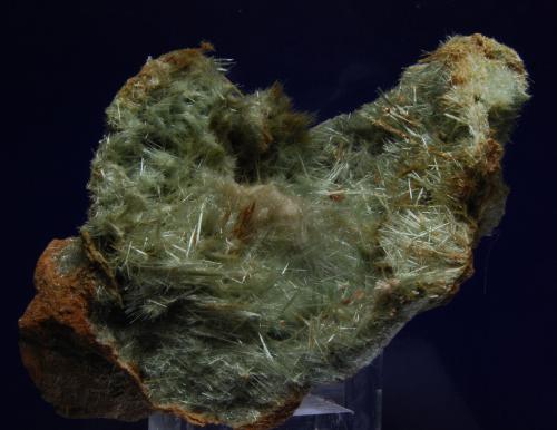 Actinolita (variedad byssolita)<br />Mina La Herrería, Burguillos del Cerro, Comarca Zafra-Río Bodión, Badajoz, Extremadura, España<br />13 x 9  x 7 cm<br /> (Autor: Ricardo Fimia)