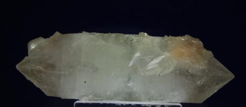 Fluorapofilita-(K)<br />Canteras Wagholi, Wagholi, Distrito Pune (Distrito Poonah), Maharashtra, India<br />cristal de 12 cm x 5 x 5  cm<br /> (Autor: Ricardo Fimia)