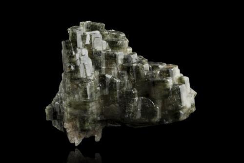Apatite (Group)<br />Mina Sapo, Ferruginha, Conselheiro Pena, Vale do Rio Doce, Minas Gerais, Brasil<br />18,5x13,0x15,0cm<br /> (Author: MIM Museum)
