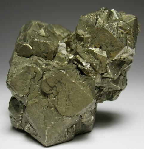 Pirita<br />Cantera TXI Cement, Midlothian, Condado Ellis, Texas, USA<br />6 x 5 x 5 cm<br /> (Autor: Antonio Alcaide)