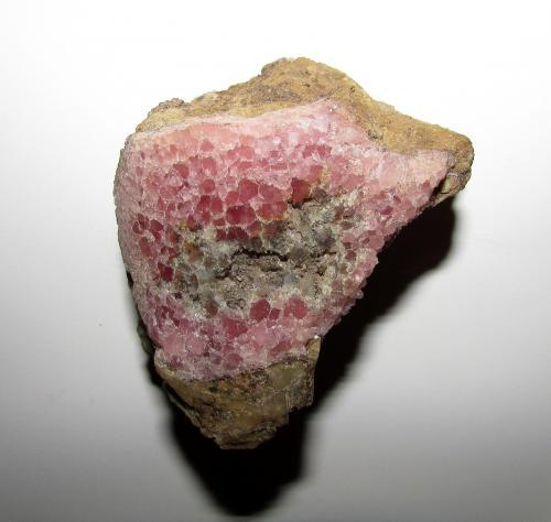 Calcita (variedad cobaltífera)<br />Mina Solita, Peramea, Baix Pallars, Comarca Pallars Sobirà, Lleida / Lérida, Catalunya, España<br />6 x 5 cm.<br /> (Autor: phrancko)