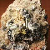 Apatito y Hematites<br />Minas Nuestra Señora del Carmen, La Celia, Jumilla, Comarca Altiplano, Murcia, Región de Murcia, España<br />13 cm x 9 cm<br /> (Autor: Javi Llamazares)