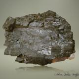 Columbita-(Fe)<br />Mina Etta, Keystone, Distrito Keystone, Condado Pennington, South Dakota, USA<br />85 x 62 x 36 mm.<br /> (Autor: Rafael Galiana)