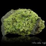 Forsterita (variedad peridoto)<br />Peridot Mesa, San Carlos, Reserva India San Carlos, Condado Gila, Arizona, USA<br />100 x 65 x 64 mm.<br /> (Autor: Rafael Galiana)