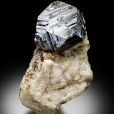 UraniniteProvincia Badakhshan, Afganistán3,5x3,0x5,5cm (Author: MIM Museum)