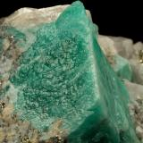 Beryl (variety emerald), Calcite, Pyrite<br />Gachalá mining district, Municipio Gachalá, Eastern Emerald Belt, Cundinamarca Department, Colombia<br />55x36x35mm, xl=24x20mm<br /> (Author: Fiebre Verde)
