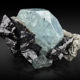 Cassiterite with Beryl (variety aquamarine)Monte Xuebaoding, Condado Pingwu, Prefectura Mianyang, Provincia Sichuan, China21,0x13,0x10,0cm (Author: MIM Museum)