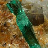Beryl (variety emerald), Calcite<br />Peñas Blancas Mine, Municipio San Pablo de Borbur, Western Emerald Belt, Boyacá Department, Colombia<br />32x28x31mm, xl=14mm<br /> (Author: Fiebre Verde)
