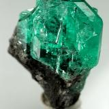 Beryl (variety emerald)<br />Chivor mining district, Municipio Chivor, Eastern Emerald Belt, Boyacá Department, Colombia<br />aggregate=18x13mm<br /> (Author: Fiebre Verde)
