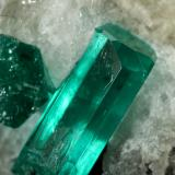 Beryl (variety emerald), Calcite<br />Gachalá mining district, Municipio Gachalá, Eastern Emerald Belt, Cundinamarca Department, Colombia<br />39x27x25mm, main xl=11mm<br /> (Author: Fiebre Verde)