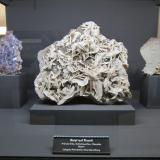 Barite, fluoriteMina Erika, Säulnhof, Stulln, Distrito Wölsendorf Oeste, Alto Palatinado / Oberpfalz, Baviera/Bayern, Alemania~ 25 cm (Author: Tobi)