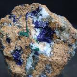 Azurita<br />Mina Milagro (mina Consuelo), Valdelamesa, Mestas de Con, Onís-Cangas de Onís, Comarca de Oriente, Asturias, Principado de Asturias, España<br />6,5x7 cm<br /> (Autor: minero1968)