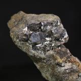 Arsenopirita<br />Mina Carlés, Ballotal-El Fuxaco, Carlés, Salas, Comarca Valle del Narcea, Asturias, Principado de Asturias, España<br />8x4 cm<br /> (Autor: minero1968)