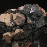 Cuarzo y Microclina<br />Cantera Cillarga, Linar da Raina, Ponteareas, El Condado, Pontevedra, Galicia, España<br />8,5x5,5 cm<br /> (Autor: minero1968)