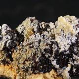 Esfalerita<br />Mina Troya, Mutiloa, Comarca Goyerri, Gipuzkoa / Guipúzcoa, Euskadi, España<br />9x6 cm<br /> (Autor: minero1968)