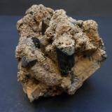 Arfvedsonita<br />Jebel Ewargizen, Imilchil, Anti-Atlas, Provincia Er Rachidia, Region Meknès-Tafilalet, Marruecos<br />8,5 x 7 x 7 cm<br /> (Autor: Antonio Alcaide)