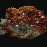 VanadinitaZona mina ACF, Distrito minero Mibladen, Mibladen, Midelt, Provincia Midelt, Región Meknès-Tafilalet, Marruecos7,5 x 5 cm (Autor: Antonio Carmona)