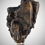 GadolinitePegmatita Slobrekka, Frikstad, Iveland, Aust-Agder, Noruega9,0x14,5x8,0cm (Author: MIM Museum)