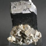 Ferberite (Wolframite Group)<br />Yaogangxian Mine, Yizhang, Chenzhou Prefecture, Hunan Province, China<br />40mm x 30mm x 10mm<br /> (Author: Philippe Durand)