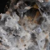 Fluorita<br />Corta Veneros-Sur, Filón Josefa-Veneros, Coroña de Arriba-La Collada, Zona minera de La Collada, Siero, Comarca Oviedo, Asturias, Principado de Asturias, España<br />200x130mm<br /> (Autor: joaquin gar)