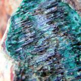 Malaquita sobre goethita<br />Mines de les Olles, Alforja, Comarca Baix Camp, Tarragona, Catalunya, España<br />Ancho en el plano de enfoque 1,5cm<br /> (Autor: Eloi)
