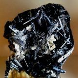 Antimonita.<br />Mina Cetine di Camporbiano, Podere Giuseppe, Gambassi Terme, Provincia de Florencia, Toscana, Italia<br />110x100 mm.<br /> (Autor: Jesus Franquesa Baucells)