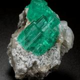 Beryl (variety emerald), Albite (variety cleavelandite), Dolomite, Pyrite<br />Chivor mining district, Piedra de Chulo Mine, Municipio Chivor, Eastern Emerald Belt, Boyacá Department, Colombia<br />45x33x23mm, largest aggregate=18x16mm<br /> (Author: Fiebre Verde)