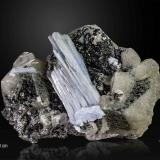 Anhydrite and Calcite<br />Naica Mine, Naica, Municipio Saucillo, Chihuahua, Mexico<br />150 x 104 mm<br /> (Author: Manuel Mesa)