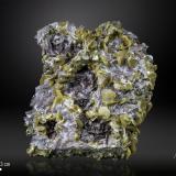 Wulfenite on DolomiteTouissit, Distrito Touissit, Provincia Jerada, Región Oriental, Marruecos116 x 106 mm (Author: Manuel Mesa)