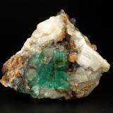 Beryl (variety emerald), Calcite<br />Chivor mining district, Municipio Chivor, Eastern Emerald Belt, Boyacá Department, Colombia<br />90x73x63mm, main xl=33mm<br /> (Author: Fiebre Verde)