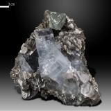 Beryl (variety aquamarine) and Fluorite<br />Nagar, Hunza Valley, Nagar District, Gilgit-Baltistan (Northern Areas), Pakistan<br />88 x 85 mm<br /> (Author: Manuel Mesa)